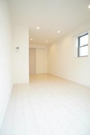 http://image.rentersnet.jp/f92253e5-cc98-479f-ae57-6bd57b998cad_property_picture_962_large.jpg_cap_ダウンライトも設置済み。各部屋二面採光です。
