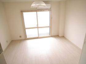 明るい室内ですね。