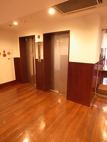 エレベーターは2基あります♪