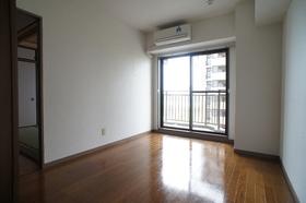 グランイーグル多摩川緑地 602号室