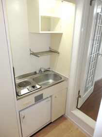 ※別号室の写真ですキッチン下のミニ冷蔵庫なし