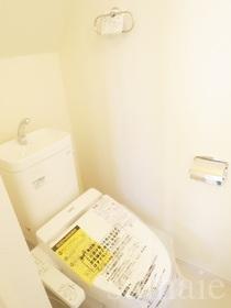 洗浄機能付きのトイレです☆