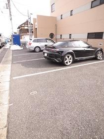 駐車場は空き要確認!
