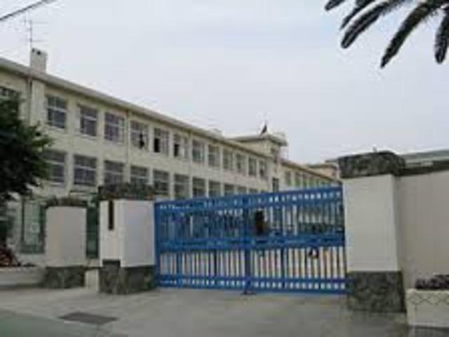 神戸市立烏帽子中学校
