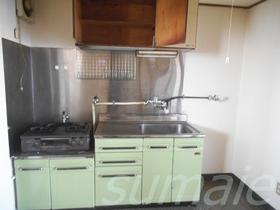 キッチン横は冷蔵庫スペース!