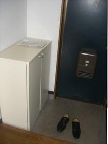http://image.rentersnet.jp/fd2af2c0-2f1d-4a61-95cc-6bce126b8c23_property_picture_959_large.jpg_cap_玄関