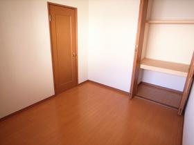 収納スペースは各部屋にあって便利♪
