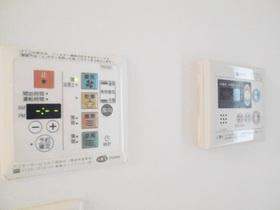 浴室乾燥機や給湯設備完備!!