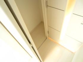 居室入口のクローゼット♪