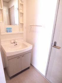 独立洗面台があると、やっぱり便利ですね!