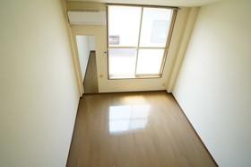 https://image.rentersnet.jp/001374e2-e7a2-4681-a8ba-18cd9161424b_property_picture_960_large.jpg_cap_他号室の参考写真