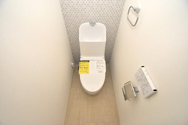 クリエオーレ巽中Ⅰ 白くてピカピカのトイレですね。癒しの空間になりそう。
