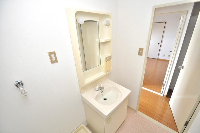 グランドメゾン樋口 人気の独立洗面所はゆったりと余裕のある広さです。