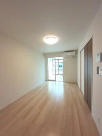 https://image.rentersnet.jp/00959b06-bedc-4996-b962-0fea5a863ed9_property_picture_3515_large.jpg_cap_居室