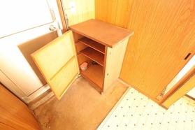 https://image.rentersnet.jp/00e4907c-b2f8-4c61-8ae7-c5cb9978b0ee_property_picture_1992_large.jpg_cap_玄関
