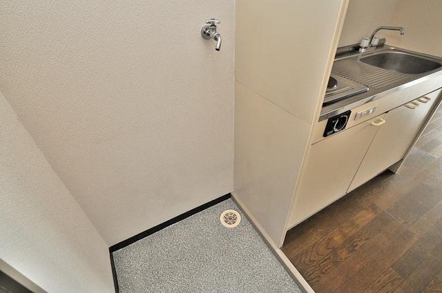 東大阪市上小阪4丁目の賃貸マンション 室内に洗濯機置き場があれば雨の日でも安心ですね。