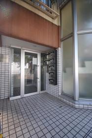 豪徳寺駅 徒歩7分エントランス
