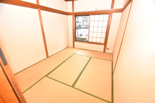 巽北1-29-14 貸家 癒しの和室が2間もあります。