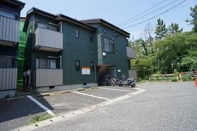 https://image.rentersnet.jp/01390c41-2563-49fd-9d0c-38d870d29f95_property_picture_956_large.jpg_cap_駐車場
