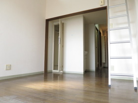 https://image.rentersnet.jp/01856f35-454a-4e88-b6cc-d352b0531161_property_picture_958_large.jpg_cap_居室