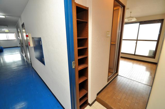 コボックス 玄関には大容量のシューズボックスがありますよ。