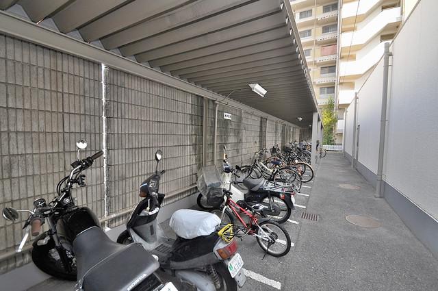 アバ・ハイム西村 広い駐輪スペースは、置き場を探すこともなくなりますね。