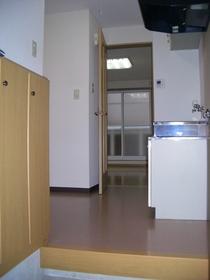 https://image.rentersnet.jp/01d9a43a-882a-4b7a-8560-822139d24b4e_property_picture_2419_large.jpg_cap_居室
