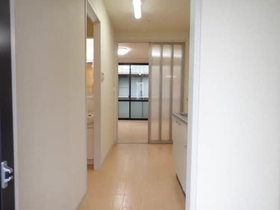 https://image.rentersnet.jp/02022f06-d566-4cde-903d-b95440574c28_property_picture_1993_large.jpg_cap_内装