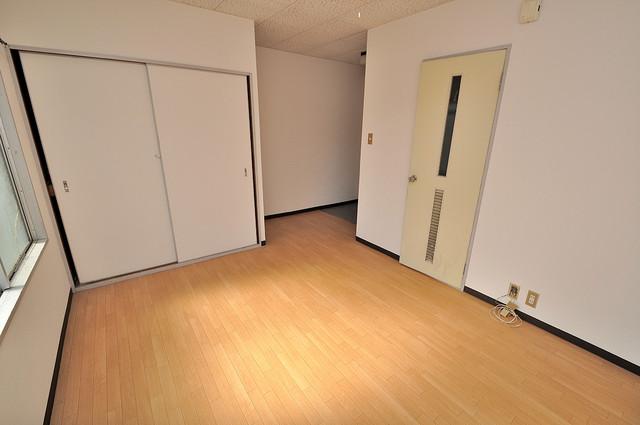 センチュリーシティⅠ シンプルな単身さん向きのマンションです。
