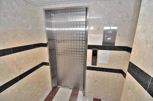 ラ・フォンテ今里 嬉しい事にエレベーターがあります。重い荷物を持っていても安心