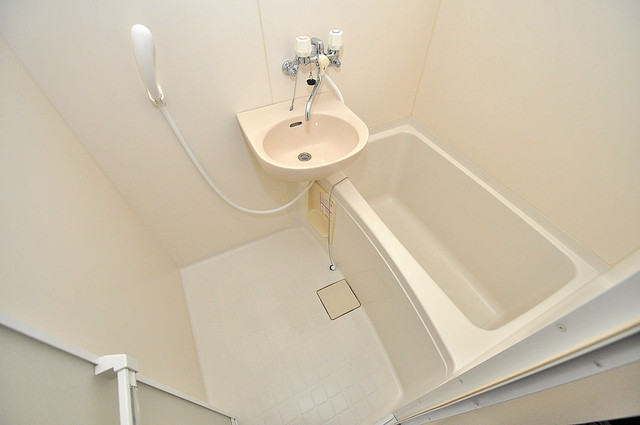リバーサイド金岡Ⅱ番館 ゆったりと入るなら、やっぱりトイレとは別々が嬉しいですよね。