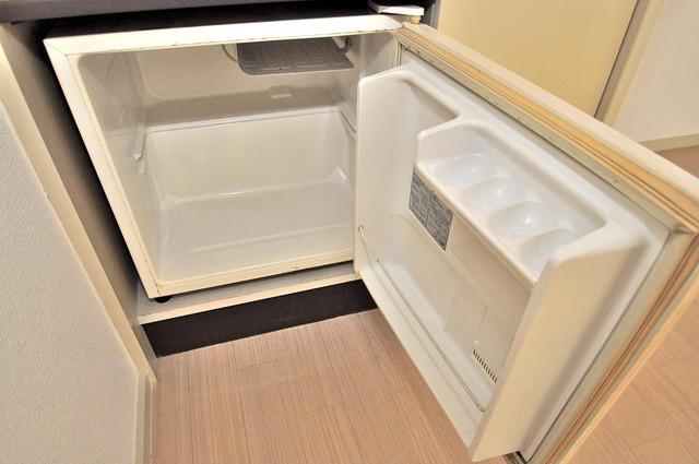 ピースハイツ永和 ミニ冷蔵庫付いてます。単身の方には十分な大きさです。