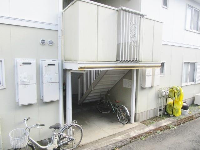 本厚木駅 バス25分「神社入口」徒歩2分エントランス