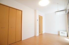 ヴァンクレール 303号室