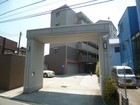 成増駅 徒歩16分エントランス
