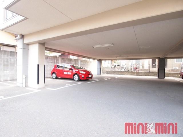 プレステージⅢ駐車場