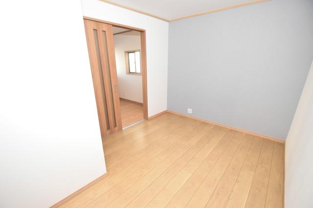 横沼町1-9-12 貸家 解放感たっぷりで陽当たりもとても良いそんな贅沢なお部屋です。