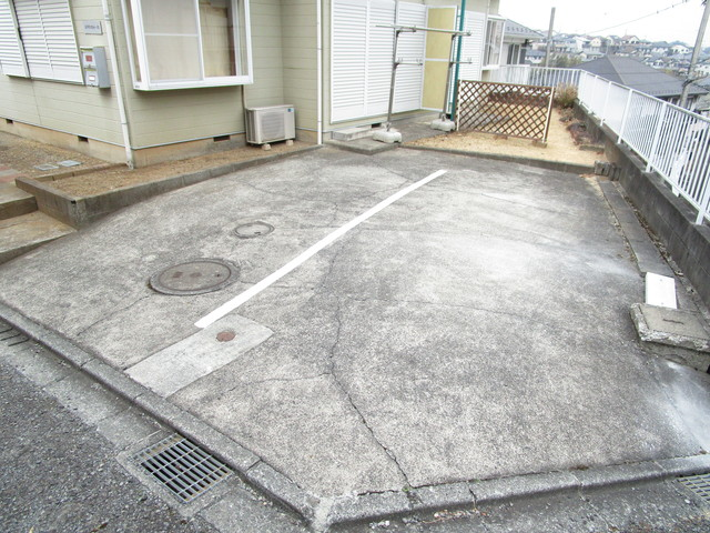 金井町テラスハウス駐車場