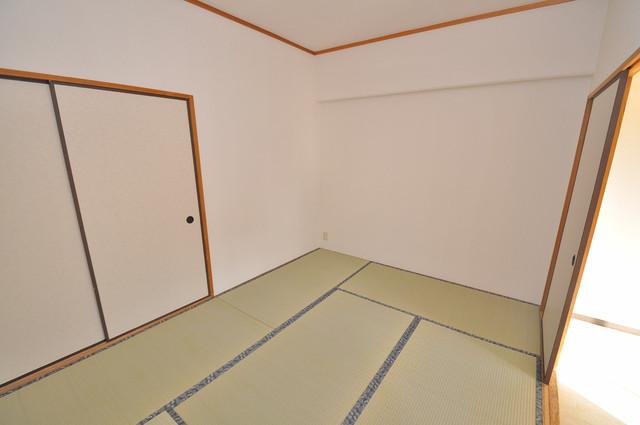 豊都ビル 落ち着いた雰囲気のこのお部屋でゆっくりお休みください。