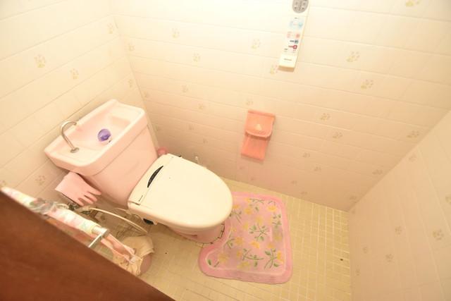 ロイヤル丸文 スタンダードなトイレは清潔感があって、リラックス出来ます。