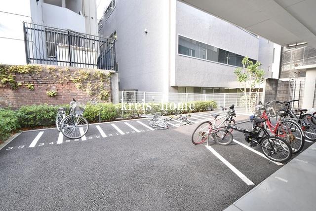 パークサイド湯島台駐車場