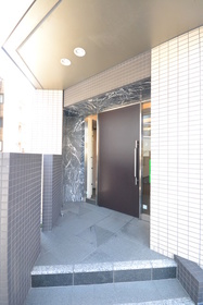 広尾駅 徒歩10分エントランス