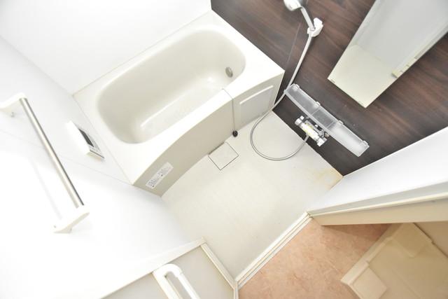 ラヴィ・クレール ちょうどいいサイズのお風呂です。お掃除も楽にできますよ。