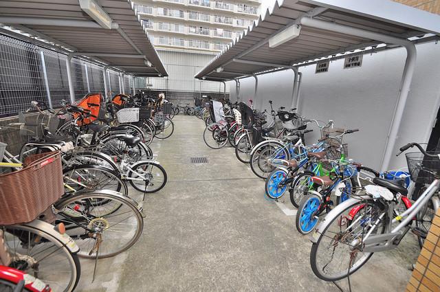 パレグリシーヌ 1階には駐輪場があります。屋内なので、雨の日も安心ですね。