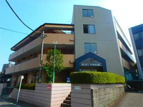 シルキー吉美A大型のマンションです