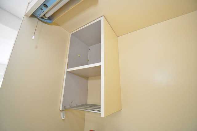 アバンティ八戸ノ里 吊り戸棚付きで収納力バツグンです。