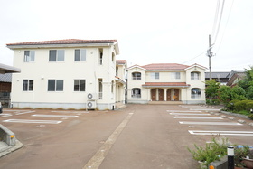https://image.rentersnet.jp/06482bdd-bf01-418a-b67e-46fd4326bde1_property_picture_1993_large.jpg_cap_外観
