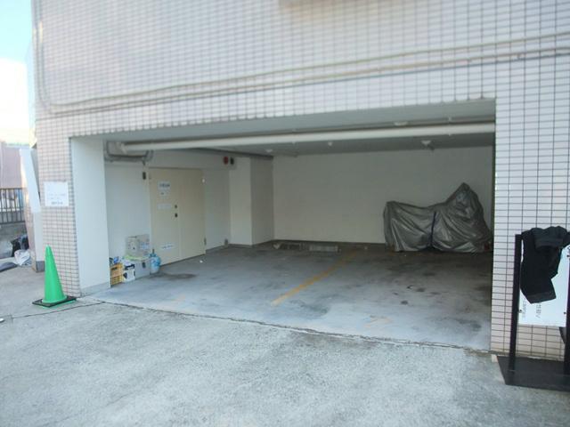 スカイコート鶴見6駐車場
