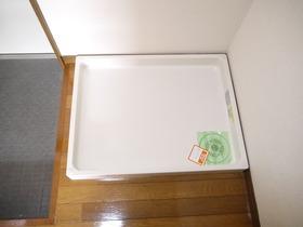 https://image.rentersnet.jp/066da611-599b-4b10-95aa-9effbb6224f0_property_picture_957_large.jpg_cap_洗濯機置き場