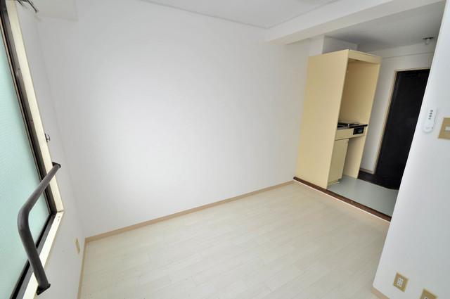 アバンティ八戸ノ里 明るいお部屋は風通しも良く、心地よい気分になります。